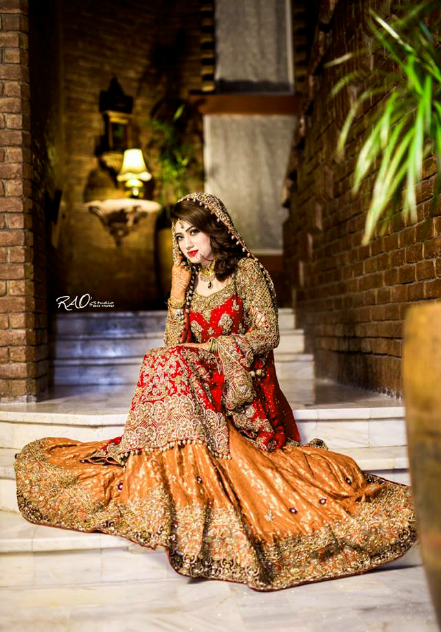 Latest embroidery lehnga Pakistani Mehndi Dresses 2018