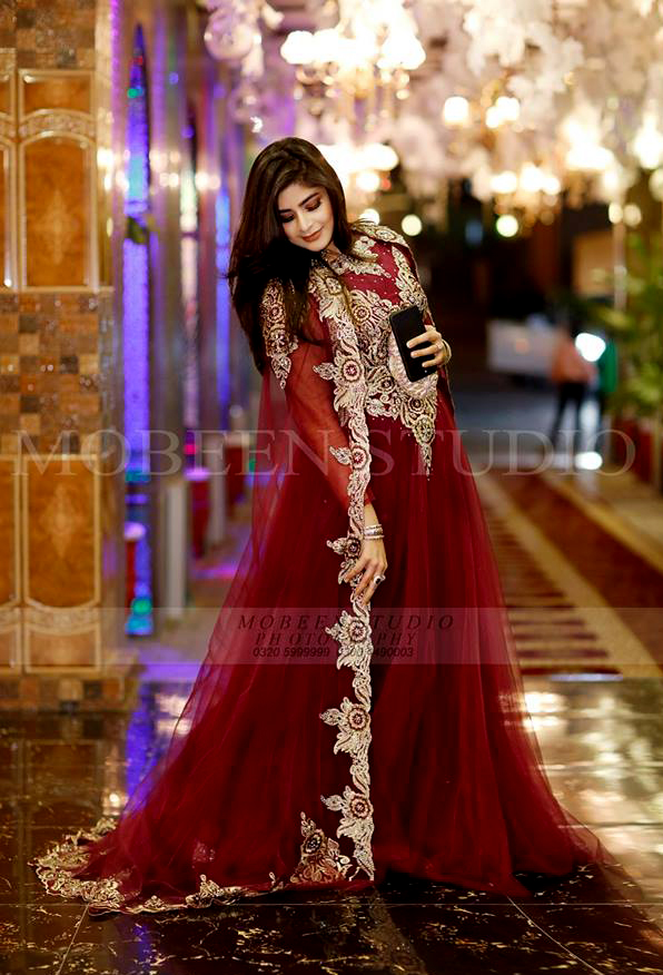gota kinari lehnga Latest Beautiful Pakistani Mehndi Dresses 2018