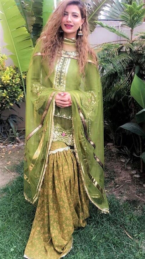 Girls green Pakistani Bridal Sharara Mehndi Dresses Designs