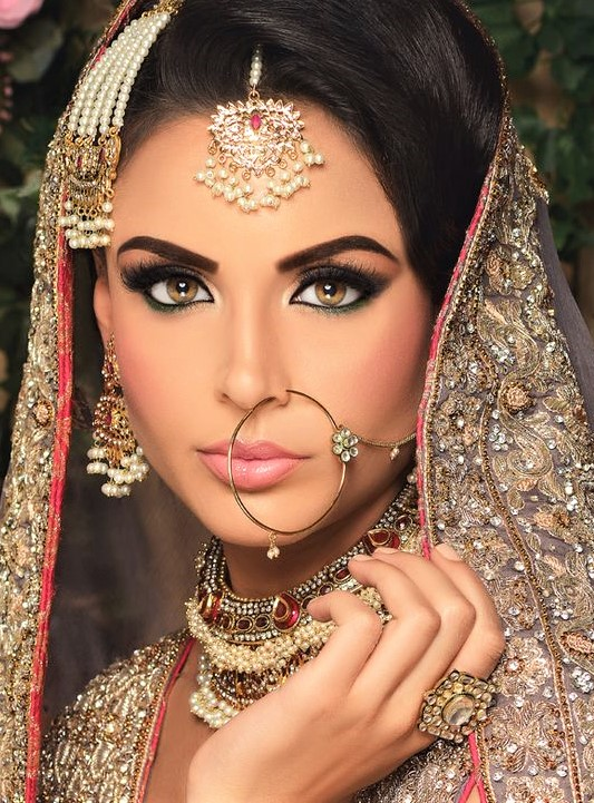 Bridal Mehndi Dresses Makeup Styles and wedding dress up