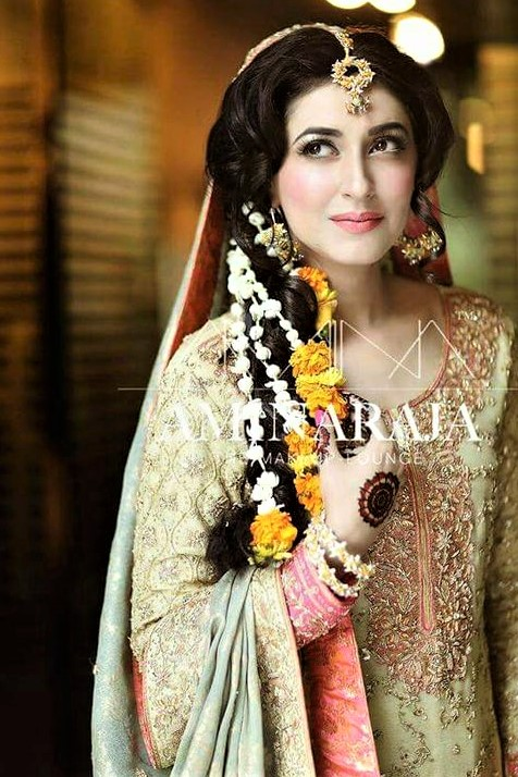 Bridal Mehndi Dresses and Makeup Styles for wedding