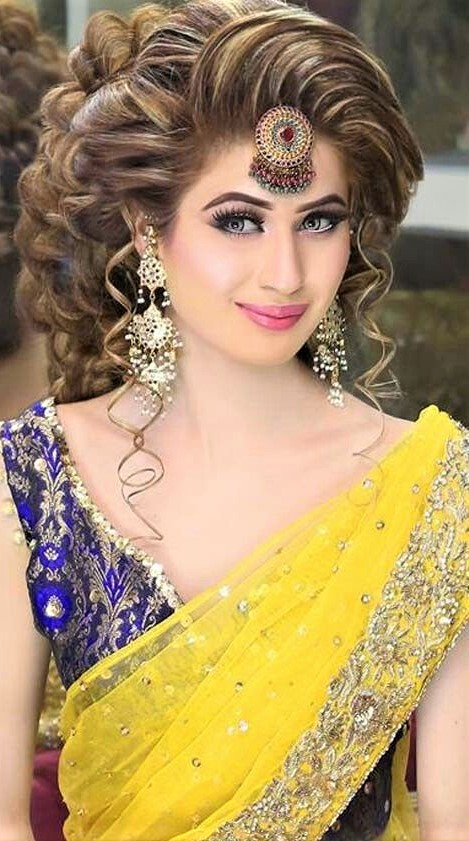 Bridal Mehndi Dresses Makeup and hair Styles dressup