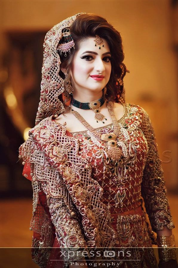 Wedding wear Pakistani Bridal Mehndi Dresses Designs
