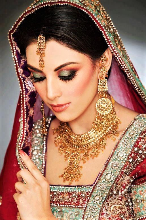new bridal mehndi dreses and makeup styles
