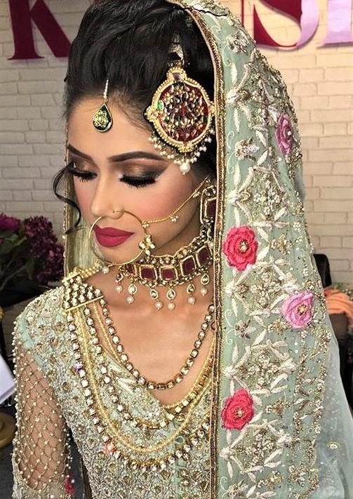 N Mehndi Makeup : Bridal mehndi dresses and makeup styles