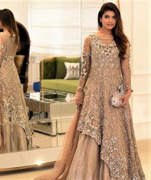 New style Mehndi dresses for Girls