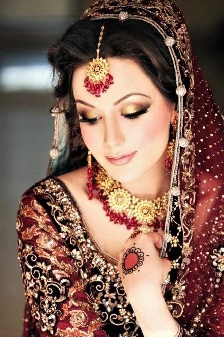 pakistani mehndi bridal makeup Styles