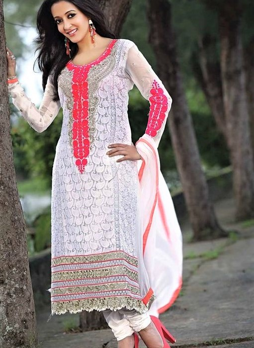 white and red kurta Mehndi dresses for Girls