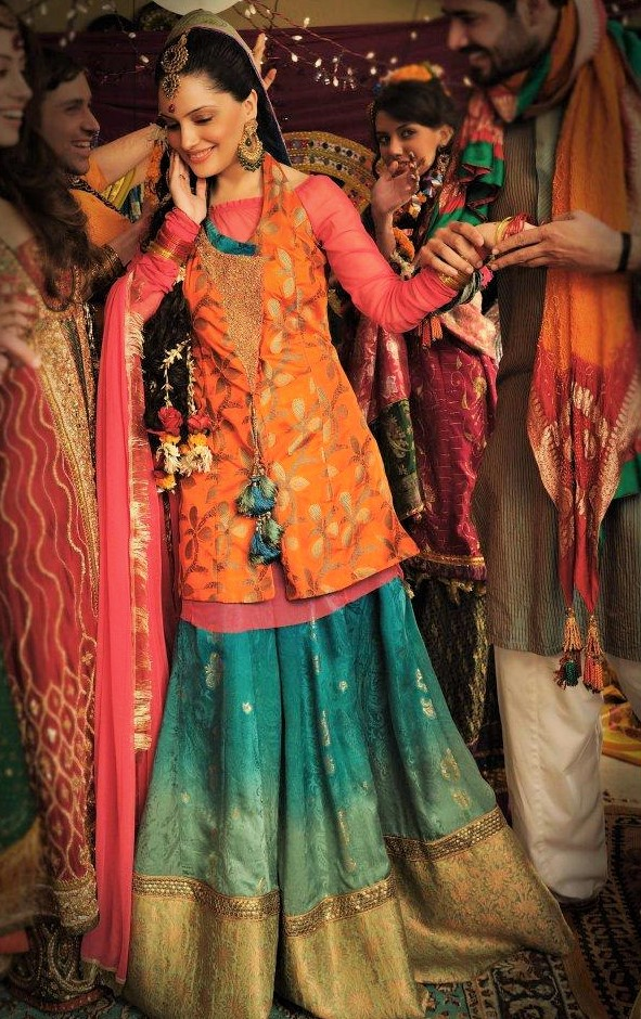 Brides Wedding Mehndi Dresses Pakistani Designers 2018 2019 Mehndi