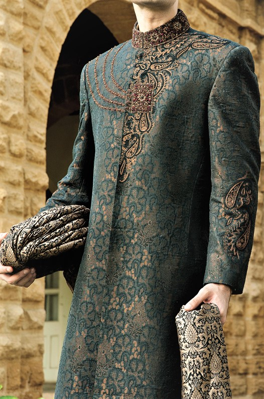Junaid Jamshed Embroidery men Sherwani Mehndi Dresses