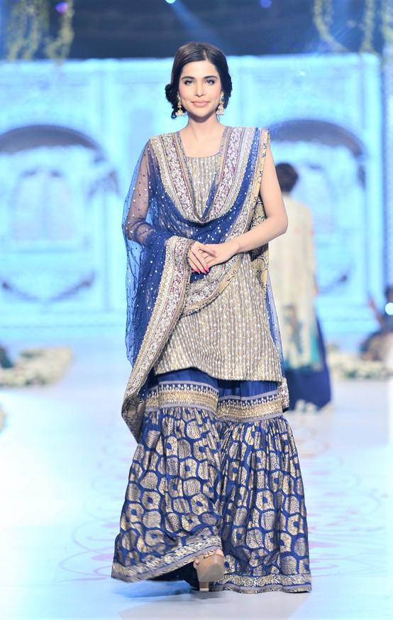 mehndi wear dresses of pakistani designers