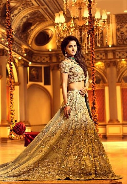 erum khan mehndi dresses new style lehnga
