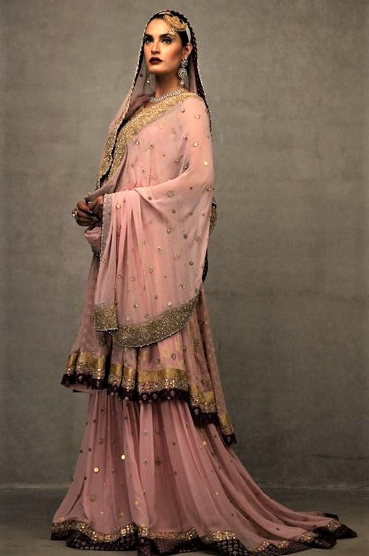 new mehndi dresses by deepak perwani pakistani designer