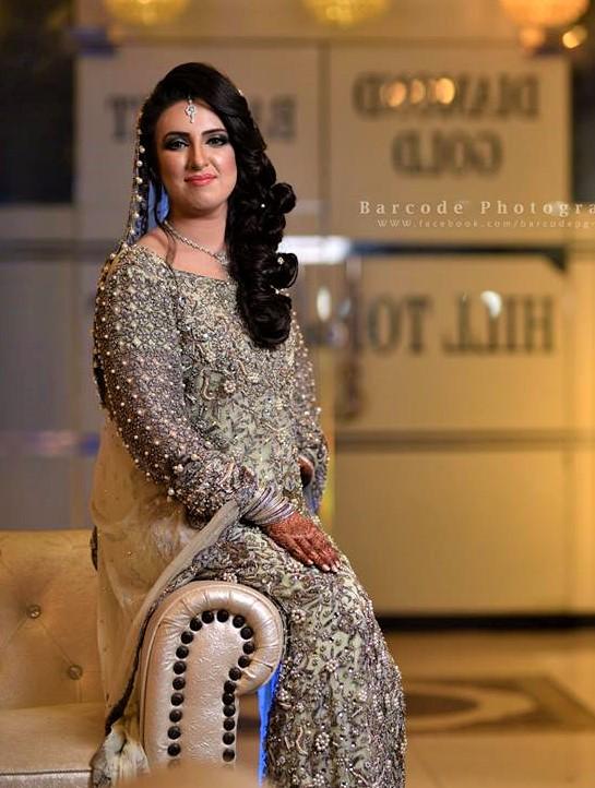 best latest akistani Mehndi Dresses Bridal Sisters