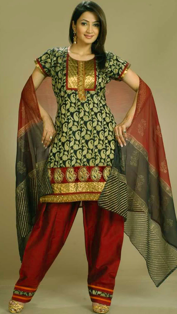 Mehndi Dresses Patiala Salwar Kameez for girls
