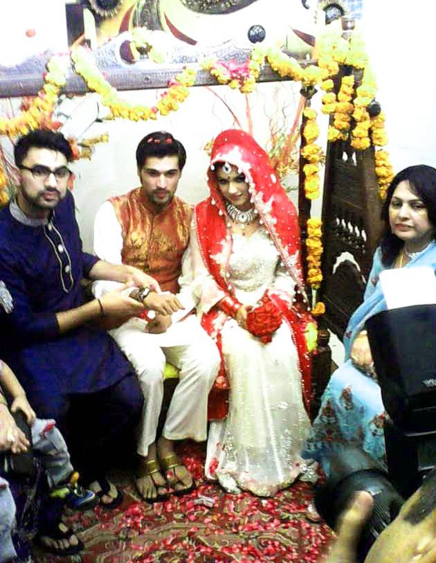 Cricketer Muhammad Amir Pakistani Celebrities Mehndi Dresses
