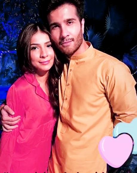 Feroz khan Pakistani Celebrities Mehndi Dresses