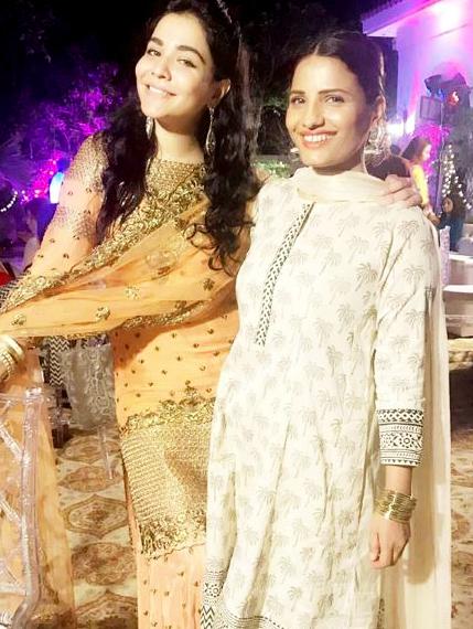 Beautiful Feroz khan Pakistani Celebrities Mehndi Dresses