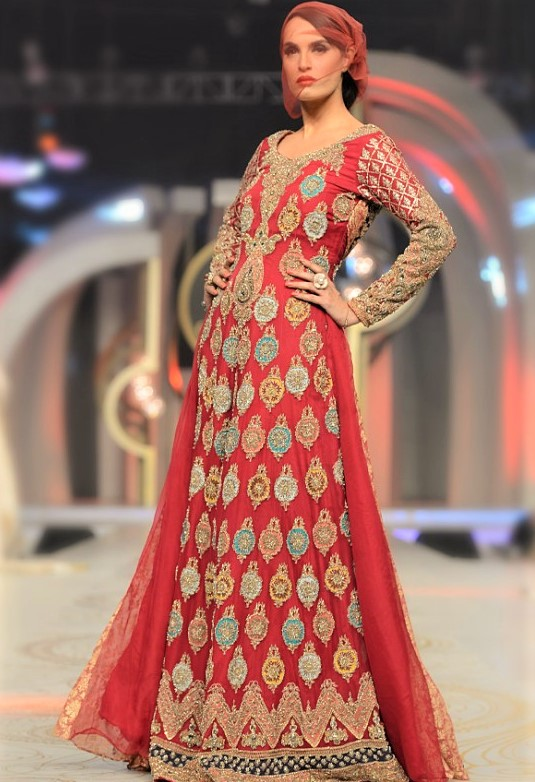 Bridal red Mehndi Dresses By HSY