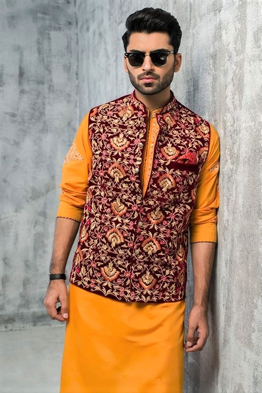 Mehndi Dresses for Man in Pakistan