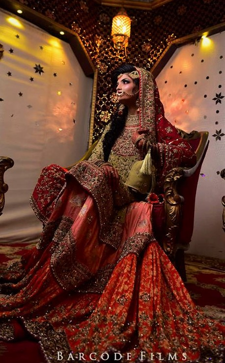 New Pakistani mehndi Dresses