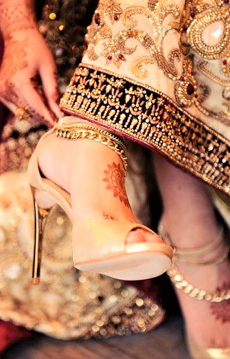 Mehndi Dresses with Wedding Shoes