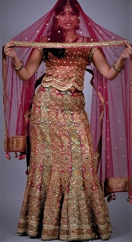 Arabic Mehndi Dresses for Henna