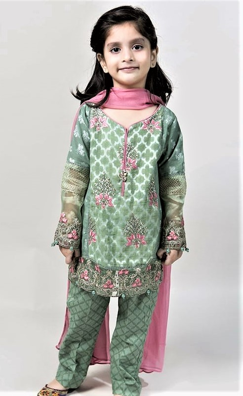 Mehndi Dresses for Child 2018