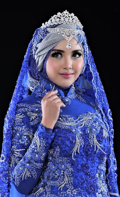 Beautiful Mehndi Dresses with Hijab Styles