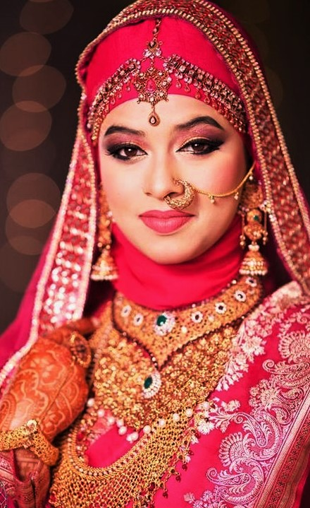 Beautiful Mehndi Dresses with Hijab Styles for wedding