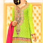 best Mehndi Dresses in Orange Colour Contrasts