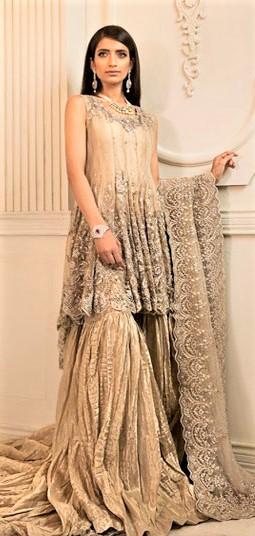 Latest Mehndi Dresses Short Shirts Designs 2018