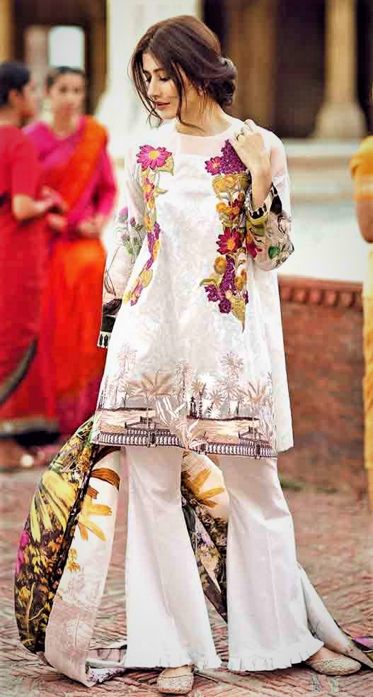 Mehndi Dresses in White Colour Pakistani bridesmaid