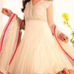 Mehndi Dresses in White Colour Pakistani for girls