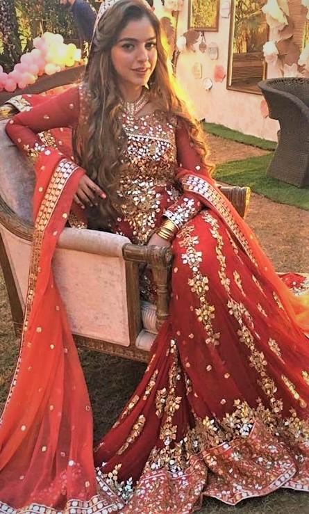 Zarpash Mustapha Wedding Mehndi Dresses