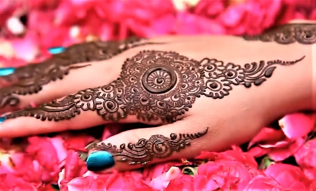 Incredible Kashees Salon Mehndi Design