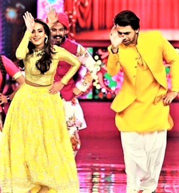 Iqra Aziz and Farhan Saeed Performances at Hum Style Award 2018