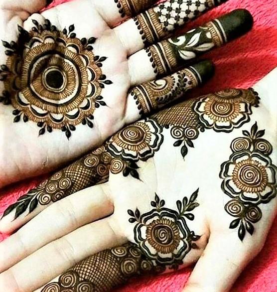 Mehandi Designs 2018 Front Hand
