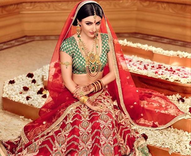 Mehndi Dresses for Indian Brides