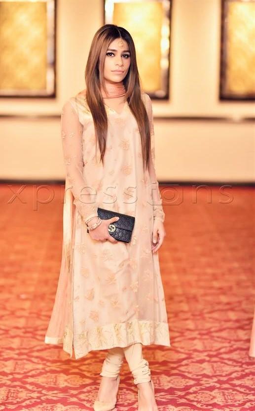 Mehndi Shalwar Kameez Pakistani 2018 Designs