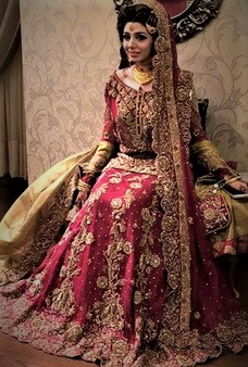Beautiful Bridal Mehndi Dresses 2018 in Pakistan