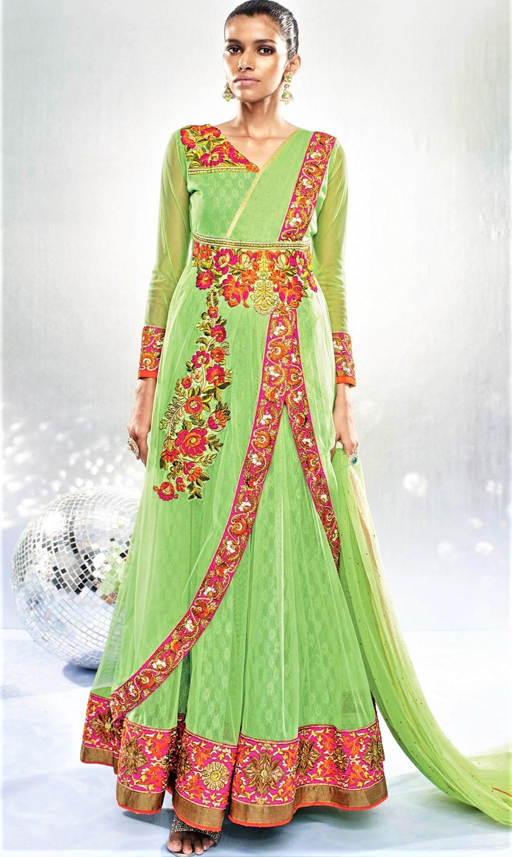 Top 5 Best Green Mehndi Dresses 2018