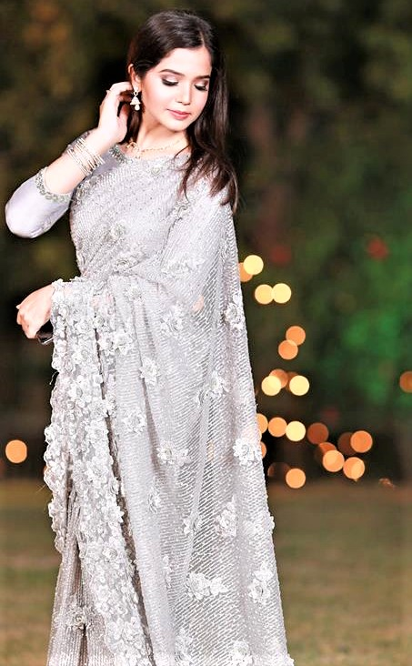 mehndi dresses for ladies 2019 Pakistani