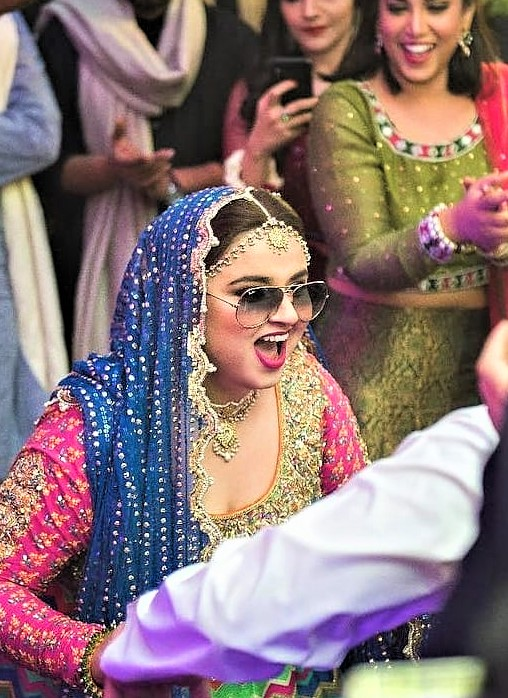 Faiza Saleem Comedian Wedding Pictures with Husband