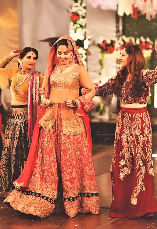Latest Brides Dresses for Mehndi Function