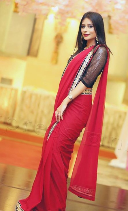 simple saree Designs of Mehndi Dresses