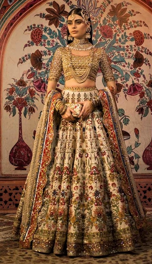 Gold Bridal Dresses Pakistani for barat