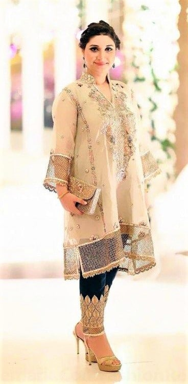 Latest Chiffon Dresses Pakistani 2019 for ladies on wedding