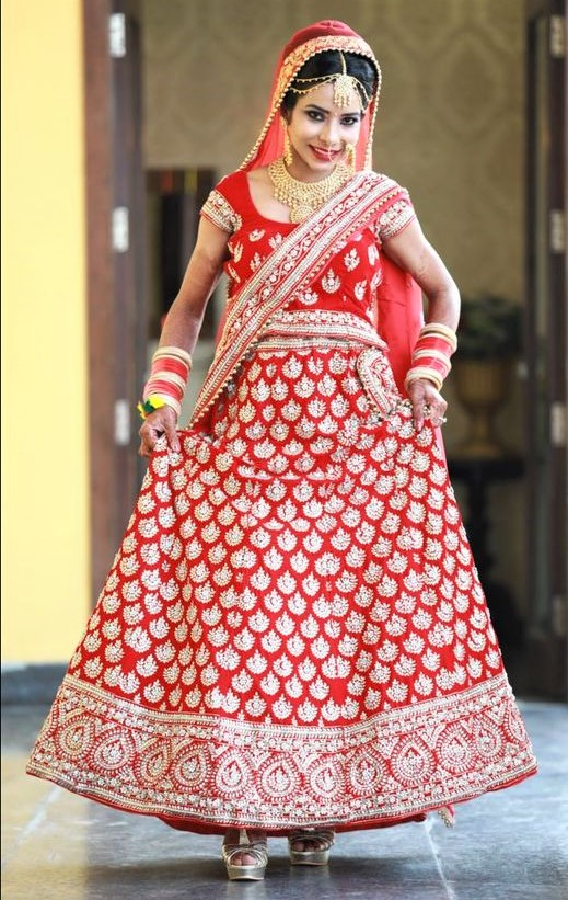 Paksitani Red Colour Lehnga designs