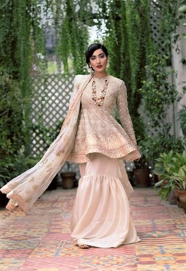 Best Suit Stitching Style Pakistani Dresses Designs